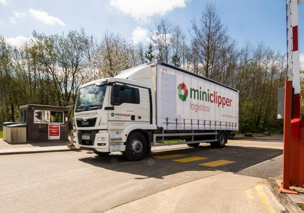Miniclipper Logistics vehicles arriving on time with Paragon transport planning software